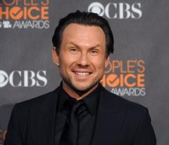 Christian Slater marries Brittany Lopez in courthouse wedding