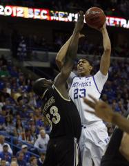Davis, Kentucky win NCAA title