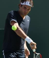 Federer, Murray reach 3rd round in Madrid