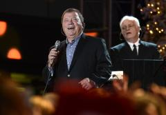 NASA gives actor William Shatner top civilian honor