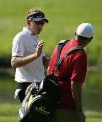 Three tied for Singapore Open lead