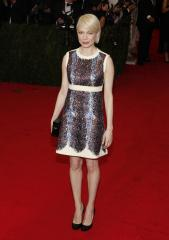 Michelle Williams splits from Dustin Yellin