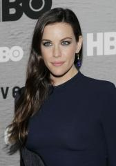 Liv Tyler says Justin Theroux has 'quite a large bulge'
