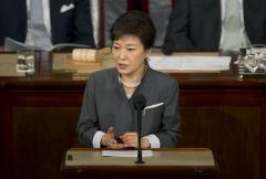 South Korean president: Ferry crew's conduct 'like an act of murder'