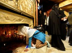 Middle East Christians mark Christmas amid messages of peace, support