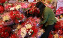 Valentine's Day: Diet 'triple threat'