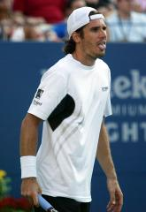 Safin, Moya advance in Countrywide tourney