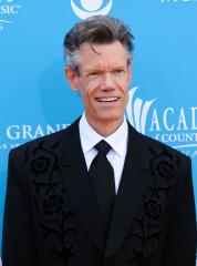Randy Travis' name removed from hometown welcome signs