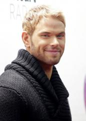 Kellan Lutz denies Miley Cyrus romance rumors: 'It's comical for me'