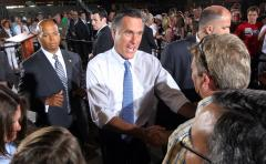 Commentary: Romney's competing teams