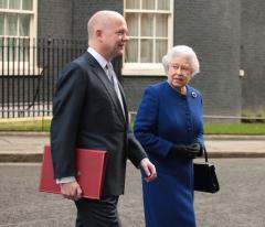 Report: Queen Elizabeth's fiscal reserve has dwindled