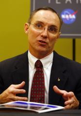 Veteran astronaut Carl Walz leaves NASA