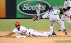 Texas Rangers push past Seattle Mariners