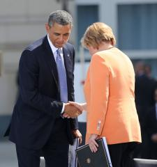 Merkel: NSA spy scandal poisons free-trade talks