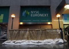 'Frankenstorm' closes in