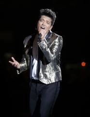 'Now 49' tops the U.S. album chart