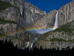 Yosemite climber falls 30 feet, suffers major injuries