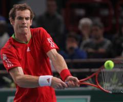 Djokovic, Murray advance in straight sets