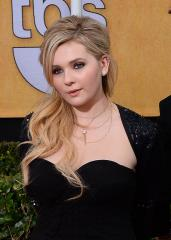 Abigail Breslin: Working with Julia Roberts, Meryl Streep was like 'acting school'