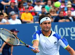 Ferrer wins third-set tiebreaker to advance at China Open