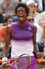 Monfils, Montanes ousted from Mercedes Cup