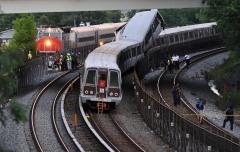 D.C. trains collide, at least 6 dead