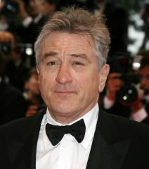 De Niro may join Gibson in 'Darkness'