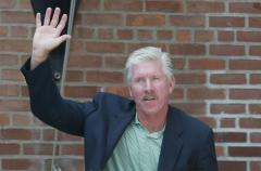 Mike Schmidt, former Phillies slugger, says he battled Stage 3 melanoma