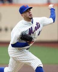 Mets release Oliver Perez