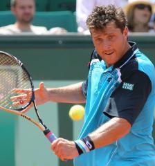 Berrer advances to face Murray in Bangkok