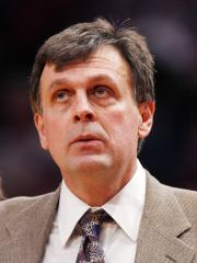 Daughter of Houston Coach McHale dies
