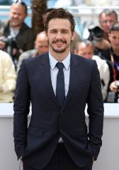 James Franco talks poetry, denies he slept with Lindsay Lohan