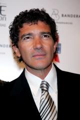 Banderas, Blanchett to be Tonys presenters