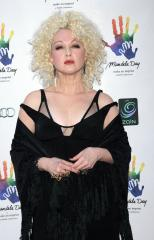 Cyndi Lauper fired on 'Apprentice'