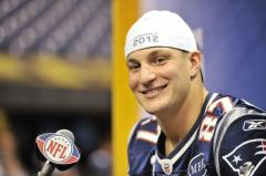 Gronkowski practices for Patriots