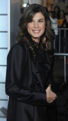 Elisabetta Canalis engaged to surgeon