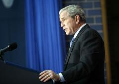 Bush raps Congress on carmaker aid