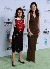 Geena Davis, Susan Sarandon reunite over 'Thelma & Louise,' discuss co-star Brad Pitt