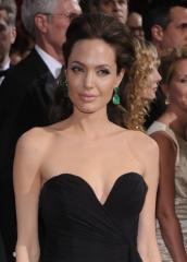 Jolie in talks to play Kay Scarpetta