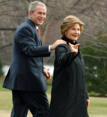 Bush dedicates new U.S. Embassy in Rwanda