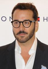 Elisabeth Moss criticizes Jeremy Piven for quitting B'way play