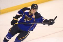 Blues sign high-scoring Alex Steen to three-year extension