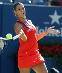 Pennetta posts upset win at WTA event in Dubai