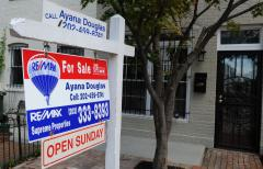 Pending home sales slide slightly in October