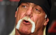 Woman admits taking Hulk Hogan shoe, arranges for return