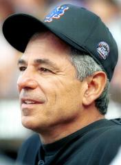 Reports: Bobby Valentine to be Red Sox skipper