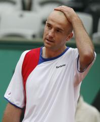 Ljubicic, Querrey advance in Austria