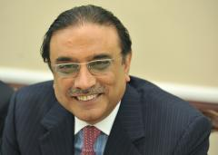Rumors fly as Zardari gets medical check