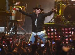 Axl Rose snaps 20-year interview drought