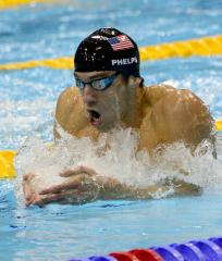 Michael Phelps wins first comeback race